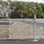 double_cantilever_slide_gate_with_safety_rollers_fs