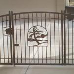 ornamental_custom_double_gate_with_emblem_1_fs