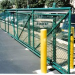 vinyl_coated_cantilever_gate_with_aluminum_safeglide_track_fs